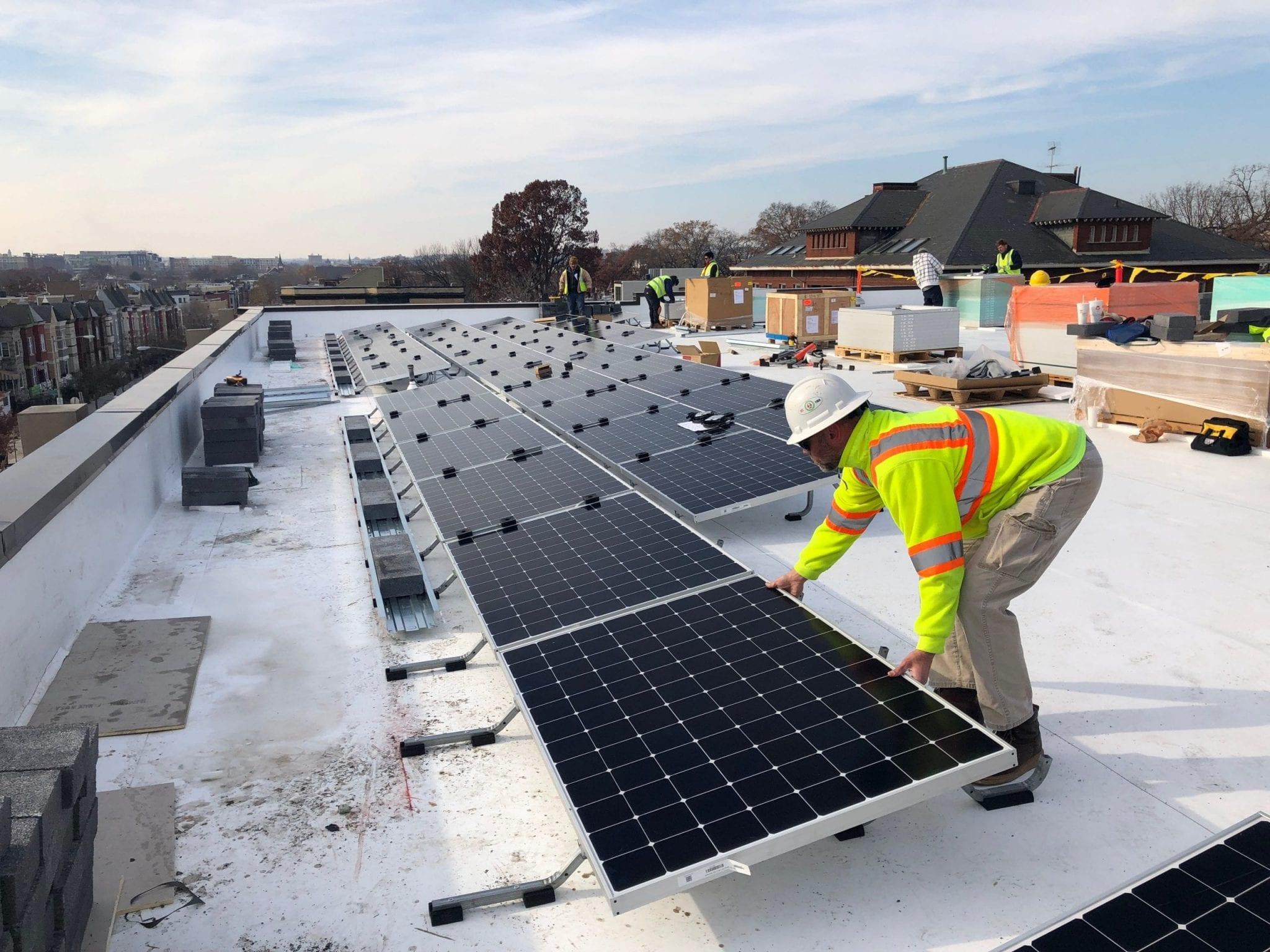 Washington DC rooftop solar installation construction