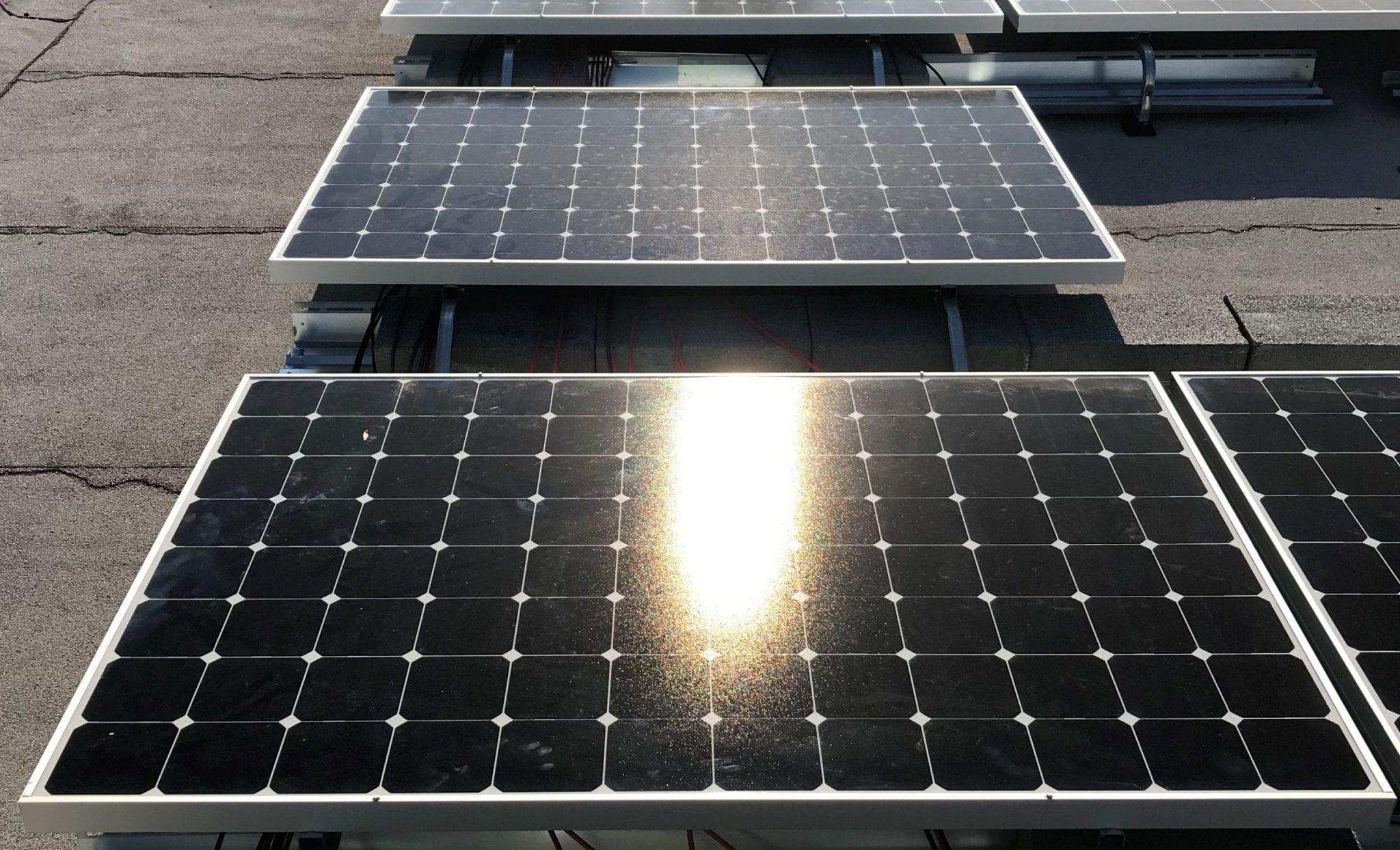 Solar panels image rooftop solar Aurora Energy Inc.
