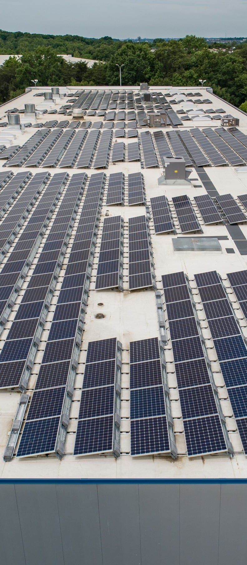 Solar for warehouses rooftop commercial array